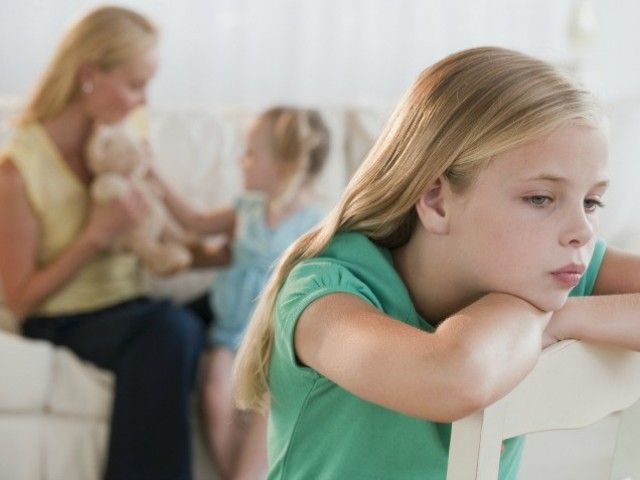 Детская ревность – как на нее реагировать.