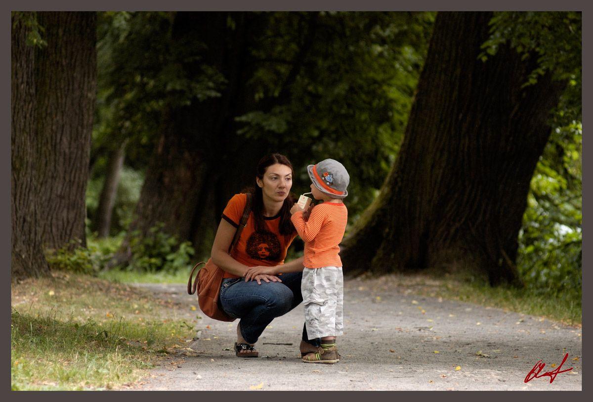 Непослушный ребенок и «правильная» мама.